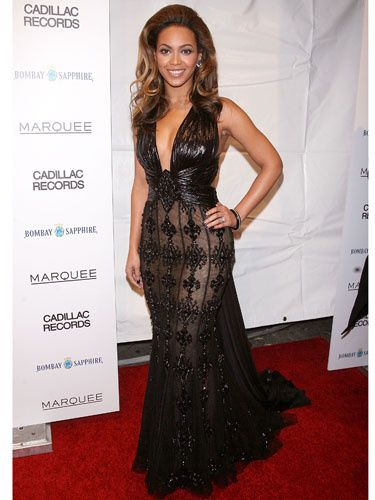 Looking gorgeous at the New York City premiere of her acclaimed film <i>Cadillac Records,</i> Beyoncé wore a lace and beaded gown that combined her divalicious style with old Hollywood glamour.