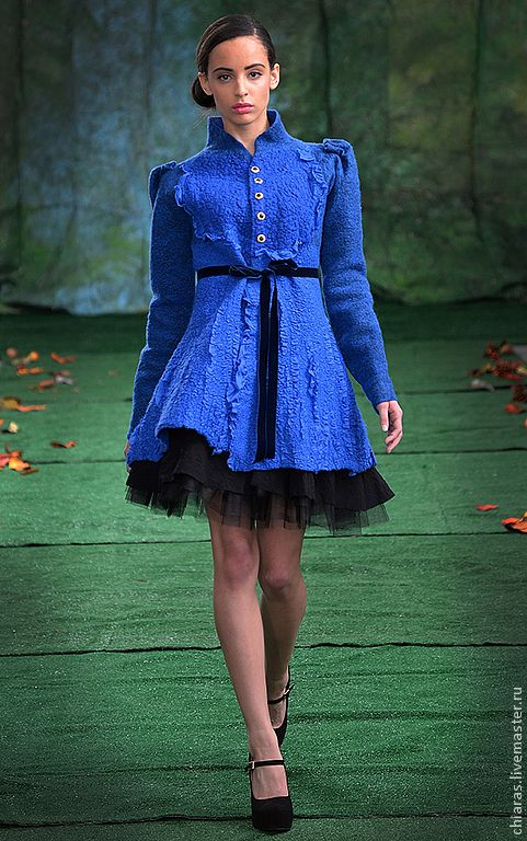 """Купить Авторское пальто из шерсти и шелка """"Royal Blue"""" - синий, коротенькое пальто, приталенное пальто"""