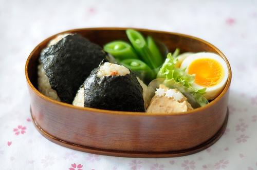 onigiri(rice ball) bento