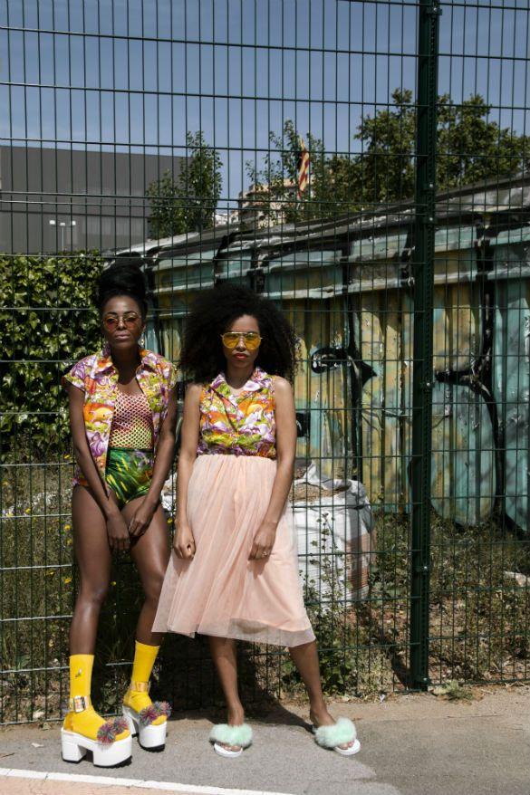 La estética ghetto y las pieles morenas del brasil sirven como punto de partida para Afro Girl, el editorial de moda más reciente fotógrafa Irene Bengoetxea y su equipo.