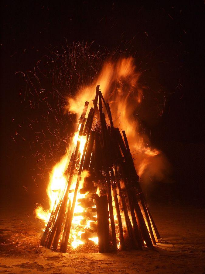 Sonnwendfeuer am Knüllköpfchen von werner thuleweit