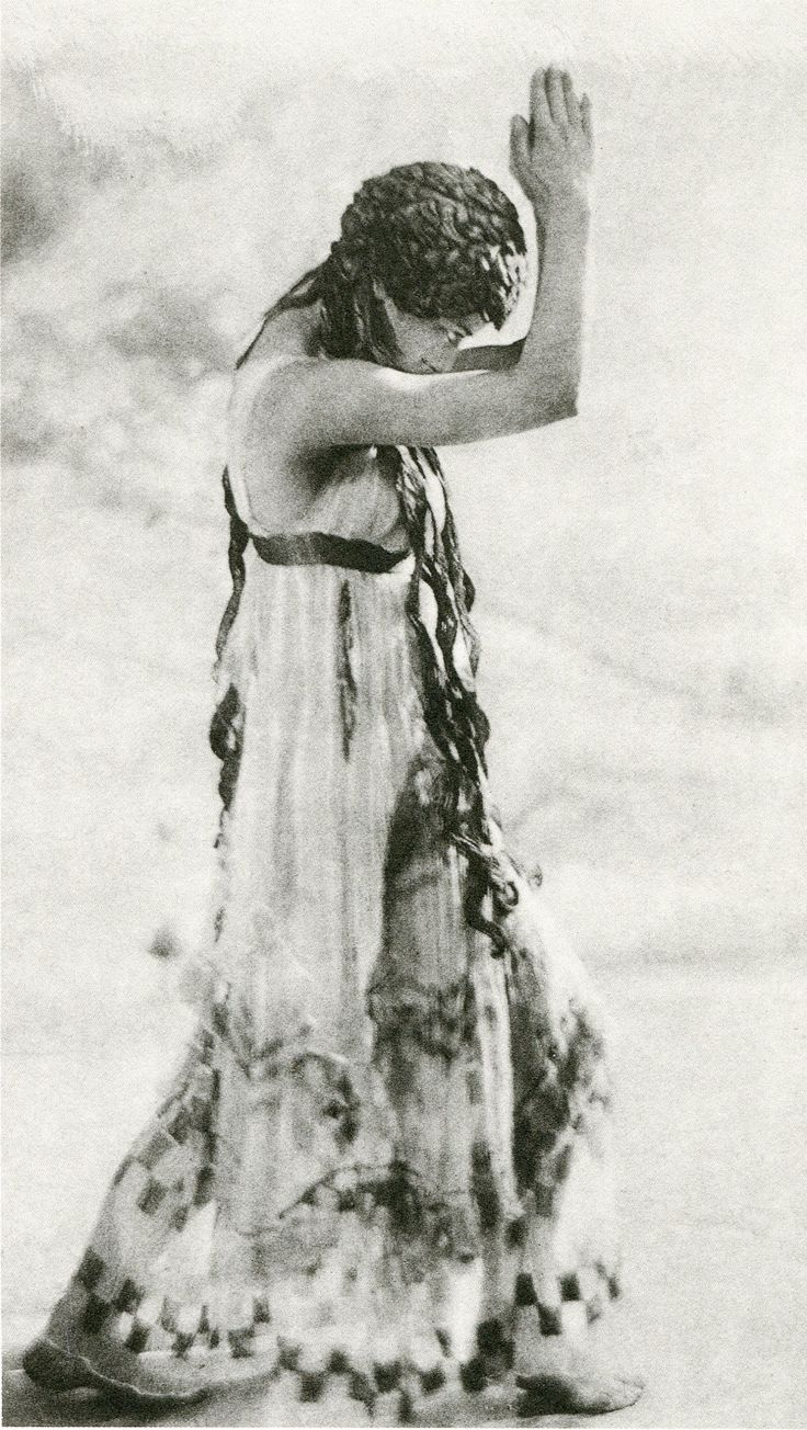The ballet 'The Afternoon of a Faun 'was choreographed by Vaslav Nijinsky for the Ballets Russes and first performed in the Théâtre du Châtelet in Paris on 29 May 1912. Nijinsky danced the main part himself. As its score it used the Prélude à l'après-midi d'un faune by Claude Debussy ..