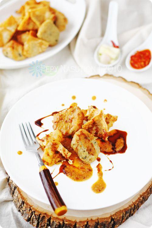 Batagor (Indonesian Fried Dumplings) @IndonesiaEats
