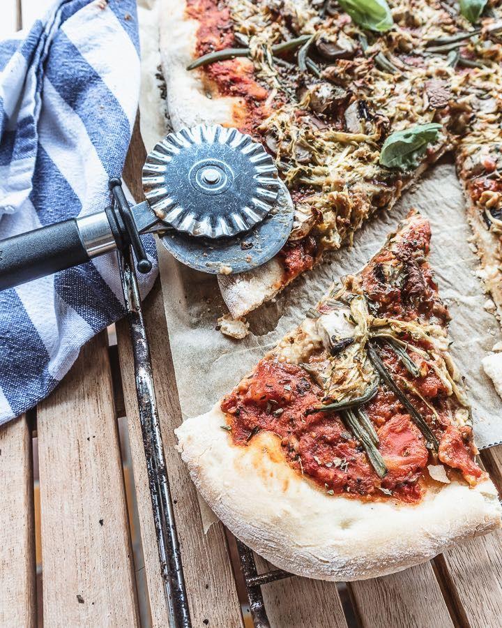 Veganen Pizzakase Selber Machen Leckeres Pizzarezept Allmydeer In 2020 Pizza Ohne Kase Rezepte Pizza Rezept