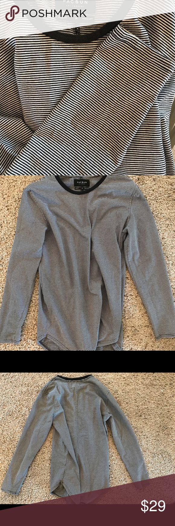 PACSUN long fit T womens medium Prerfect condition, Pacific Sunwear long fit. Small black and white stripes. Women's medium. Long sleeves Pacific Sunwear Tops Tees - Long Sleeve