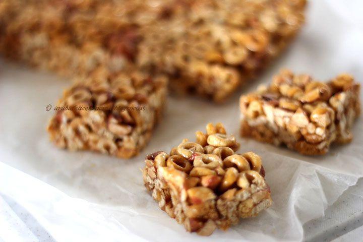 Arabafelice in cucina!: Barrette furbissime alle mandorle, miele e cereali