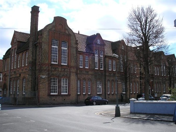 Hove Manor Secondary School. I attended 1956-61. I believe it is now a Further Education College.