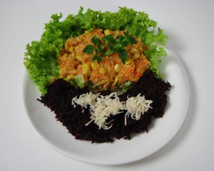 Salată de crudităţi cu maioneză din muştar. Reţeta o puteţi găsi aici în format text dar şi video: http://www.babyboom.ro/salata-de-cruditati-cu-maioneza-din-mustar/