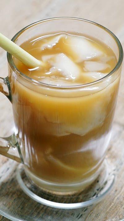 Minuman tradisional Jawa Barat berbahan dasar rempah ini tak hanya digemari oleh Masyarakat Sunda, tapi juga digemari di penjuru nusantara. Karenanya banyak sekali variasi dari minuman yang satu ini.