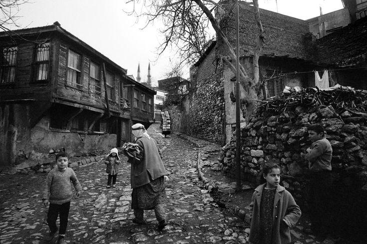 Edirnekapı -1962, İstanbul - Türkiye, Fotoğraf. Ara Güler