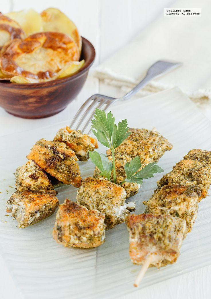 Comer de picoteo es muy entretenido y más con pinchitos, brochetas y alimentos ensartados. Estas son nuestras 11 mejores recetas de picoteo para e...