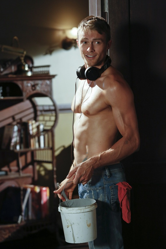 Wilson Bethel as Wade Kinsella in 'Hart of Dixie'. Better redneckonize.