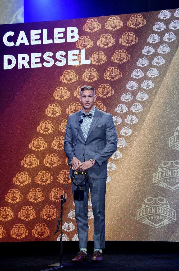 Caeleb Dressel wins Male Athlete of the Year at 2017 Golden Goggle Awards 171119 #CaelebDressel #GoldenGoggle