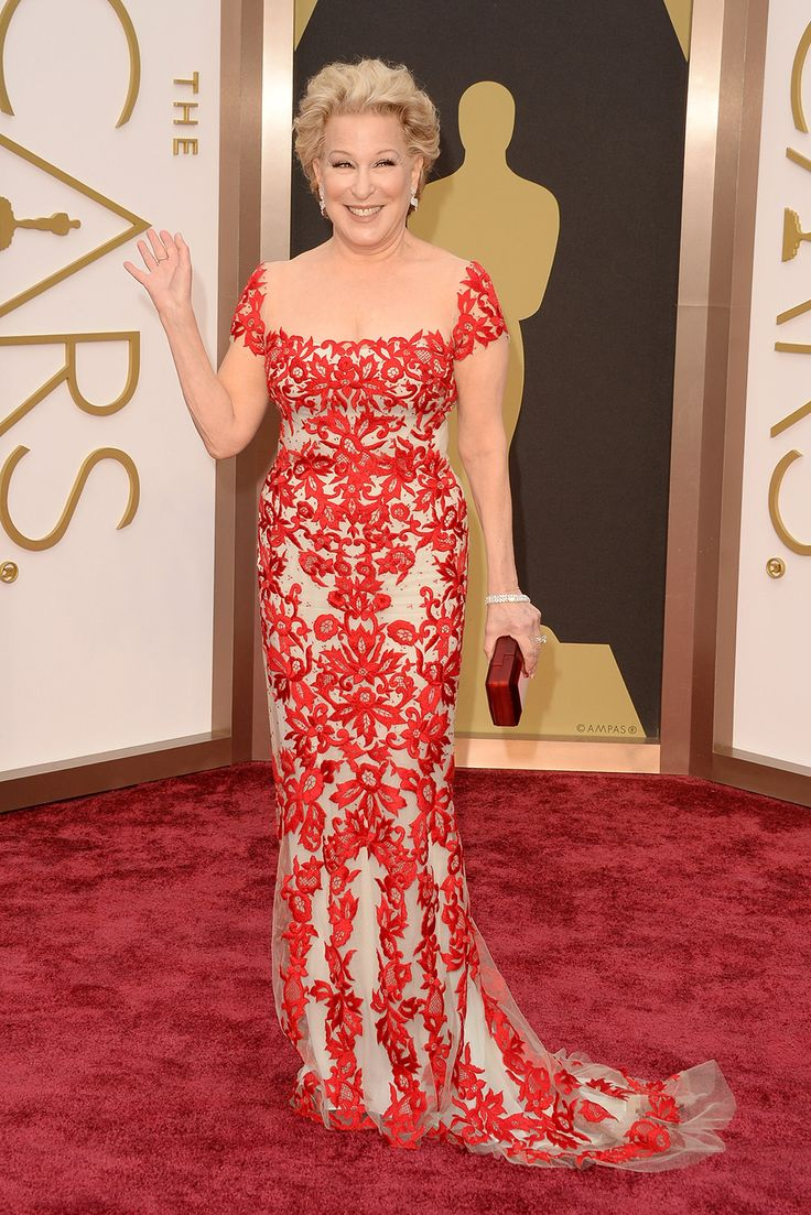 Bette Midler — At a young 68 years old, Better Miller kills it in a fitted Reem Acra creation covered in red lace. Plus, an all-nude layer beneath, thankyouverymuch. And, while it's usually her voice that makes us stand at attention, this look gives her famous belt some serious competition. Now, that's a first.