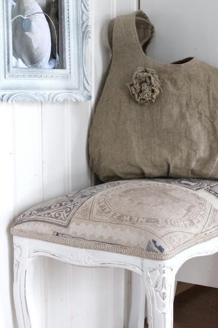 burlap bag, love the burlap covered seat cushion!