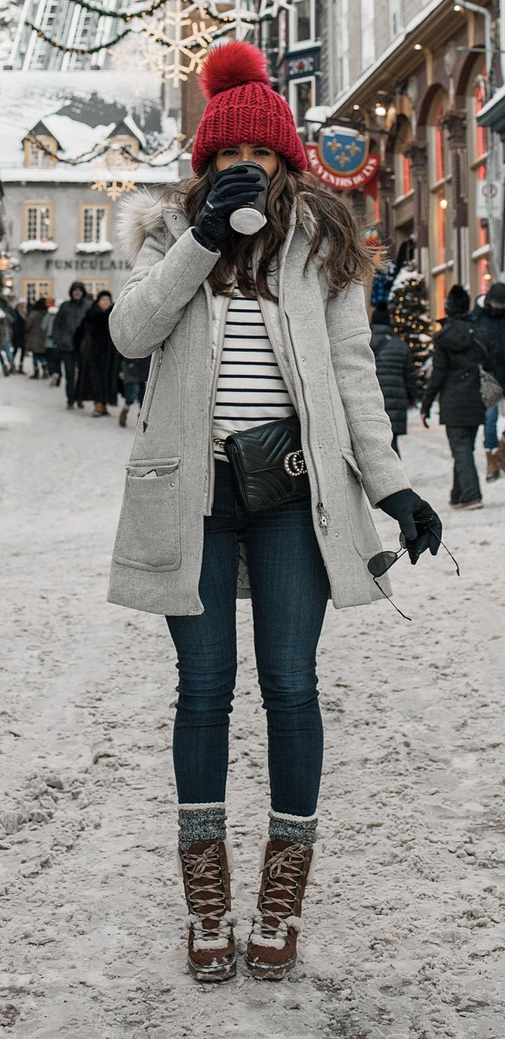 What to wear in the winter cold weather look snow layering quebec city nyc fashion blogger