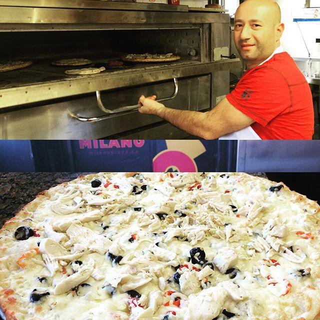Oven's full at Milano Merivale & Kirkwood! Robbie as usual working hard!! Nice Pollo pizza ;-) #ottawa #ottawapizza #pizzaporn #pizzalover #foodie #foodporn #algonquincollege #ottawau #uottawa#carletonu #foodlover #pizzabae  #milanopizza #baconlover  #followback #senators  #Chef  #bacon #hungry #hangry