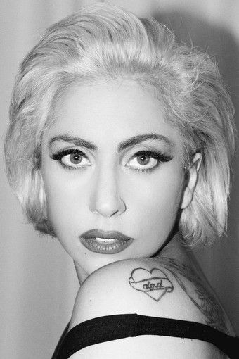 This short look is reminiscent of Sharon Stone in the 90s #LadyGaGa #hair