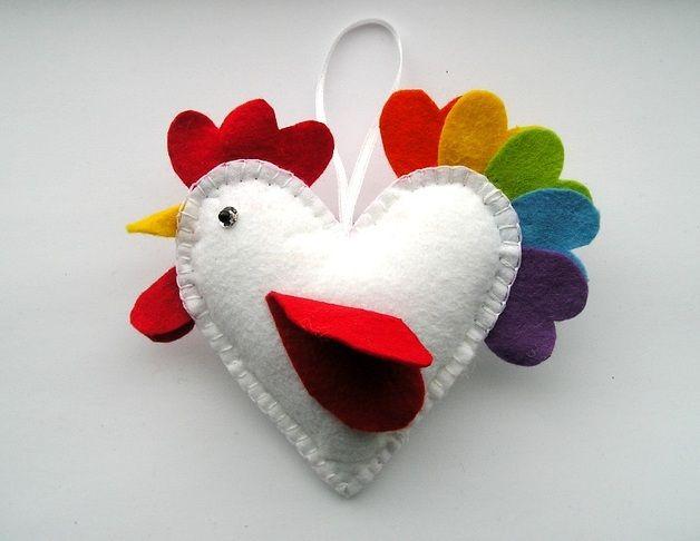 Filz Herz Vogel, Ostern Anhänger  Handstickerei  10 x 10 cm