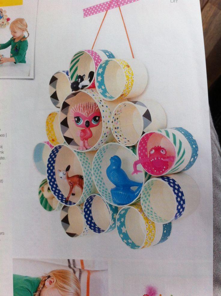Letterbak van doosjes en maskingtape, maar kan natuurlijk ook met wc-rol!! Bron: jij&jekinderen, wonen met kinderen, 13-2013, blz. 45