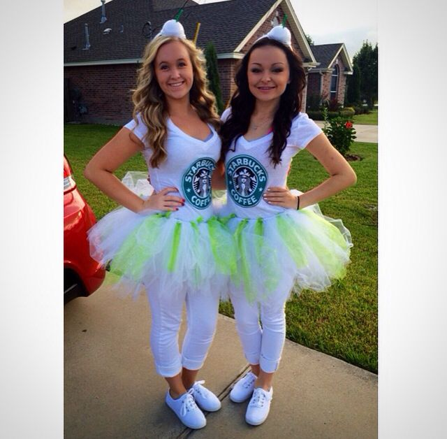 Starbucks twin day/Halloween costumes. Starbucks hat, tutu, and shirt. Very creative idea! DIY☕️