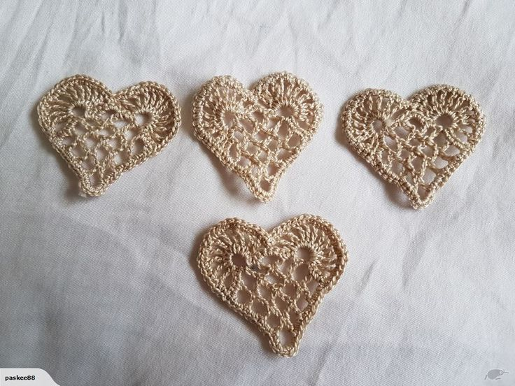 4 CROCHET HEARTS CREAM EACH 4CM - TO DECORATE CLOTHS OR CRAFTS | Trade Me