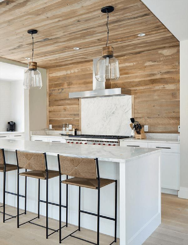 15 Diy Kitchen Decor Projects Done With Reclaimed Wood Diy Kitchen Decor Cottage Kitchen Backsplash Wood Kitchen