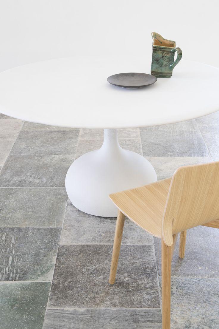 saen table made of concrete & kayak wooden chair  #aliasmood #alias #aliasdesign #aliasdetails