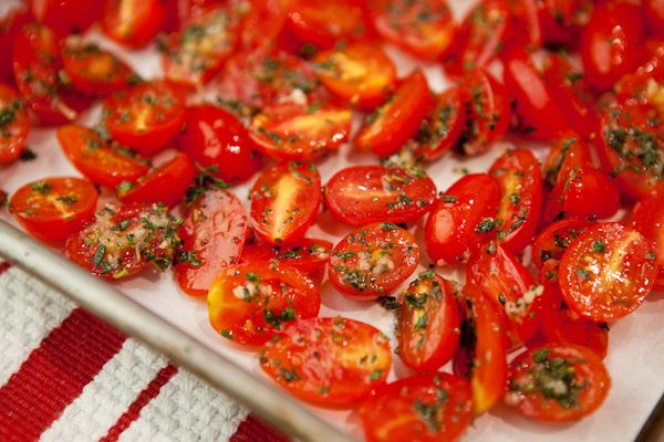 Grape tomatoes, olive oil, garlic, thyme, salt, pepper - roast for 20min @ 350  Top roast halibut or other fish  Stir into Risotto  Toss with whole wheat pasta, enjoy alone or with chicken  Use to top roast chicken  Fill grilled Portobello mushrooms as an appetizer or meatless main dish  Spread on toasted baguette with goat cheese for an appetizer  Spoon over an omelet or use as the filling