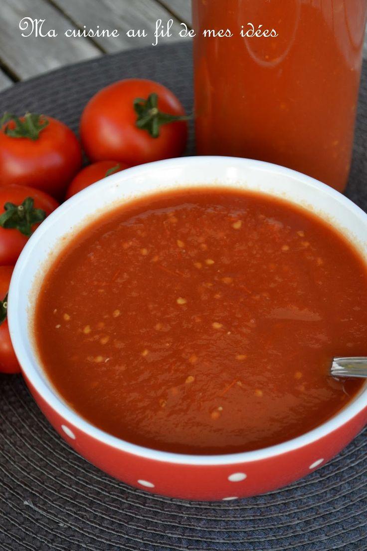 """Un coulis rapide à réaliser pour vos pizzas ou votre sauce bolognaise :-)  J'ai utilisé les tomates """"Pyros"""" de mon potager, d'a..."""