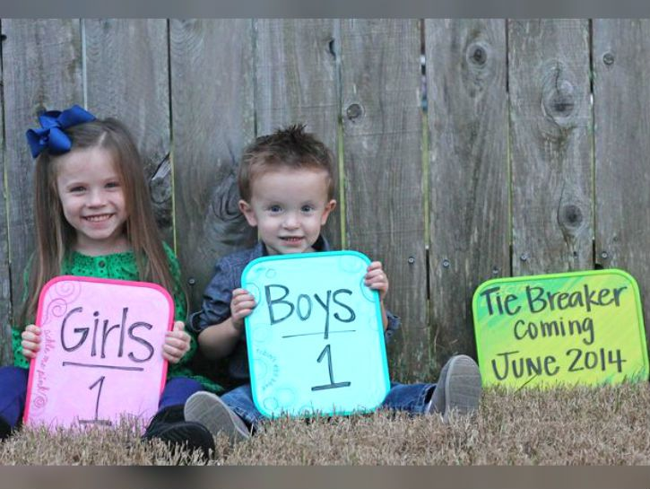 If these soon-to-be parents are half as good at raising their child than they were at announcing his or her conception, then these kids are going to have some great parents.