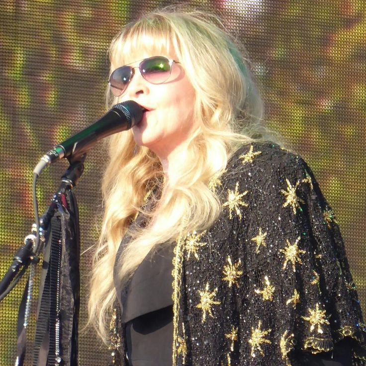 Stevie ~ ☆♥❤♥☆ ~ wearing her new black and gold shawl and her her prescription specs on her head , performing at the BST Hyde Park Festival in London, 9th July 2017