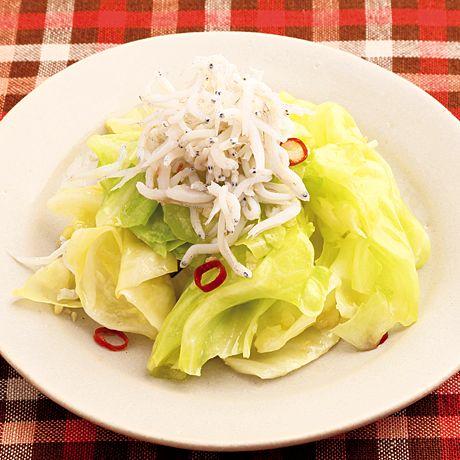 レタスクラブの簡単料理レシピ 赤とうがらしとにんにくをきかせて「キャベツ炒めペペロンチーノ風」のレシピです。