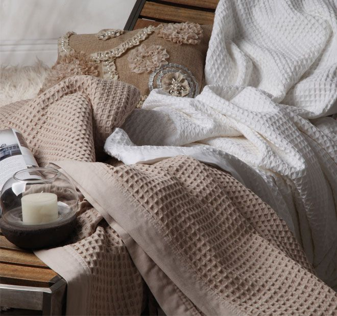 Cotton Waffle LOGAN AND MASON ULTIMA - 100% naturally breathable cotton, Textured waffle weave, Woven cotton binding, Twin needle stitching Generous multi-sizing, Easy care and machine washable - #blankets