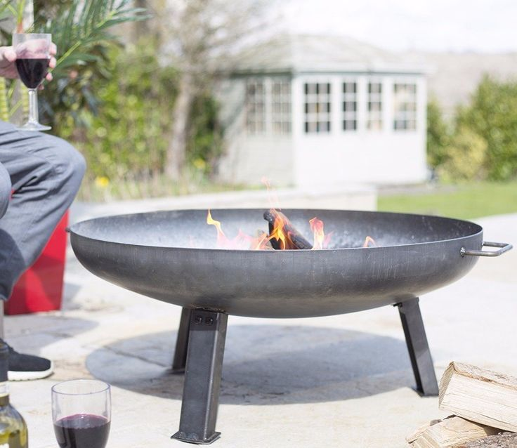 La Hacienda Medium Pittsburgh Firepit. Pittsburgh is a well known steel making town and a thoroughly appropriate name for this very durable and heavy duty firepit from the La Hacienda range.