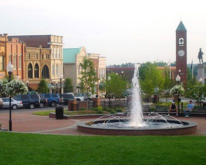 Beautiful downtown Spartanburg! Just like home to me! My grandmother lived in Whitney, a little mill suburb of Spartanburg, many a happy summer spent in Spartanburg, SC