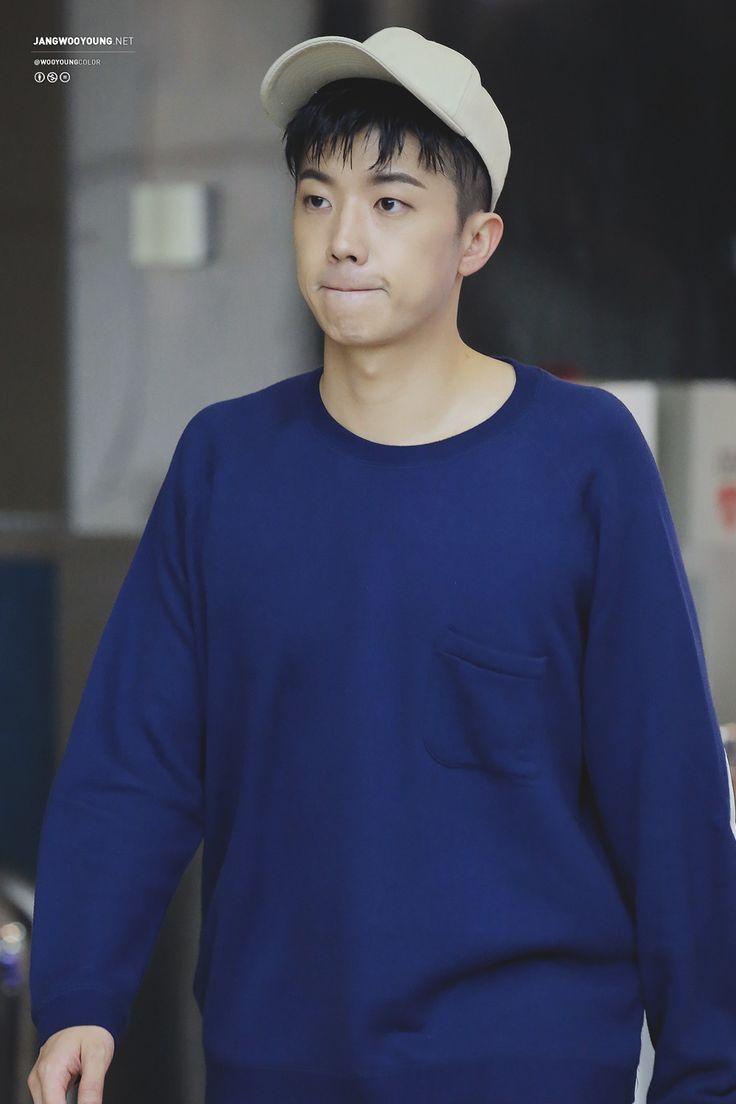 wooyoung ♥ :: 160913 슈키라 출퇴근길