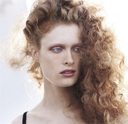 Capelli ricci: i tagli e gli styling 2015 Elastici, voluminosi o afro style.