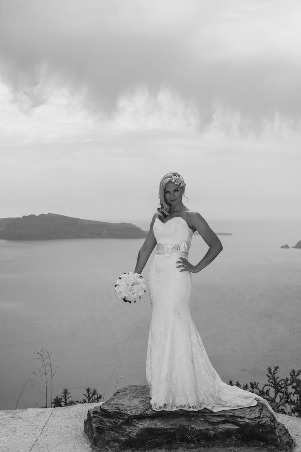 #Beautiful #bride in #Santorini Photo gallery – Weddings | Andreas Markovic Videography
