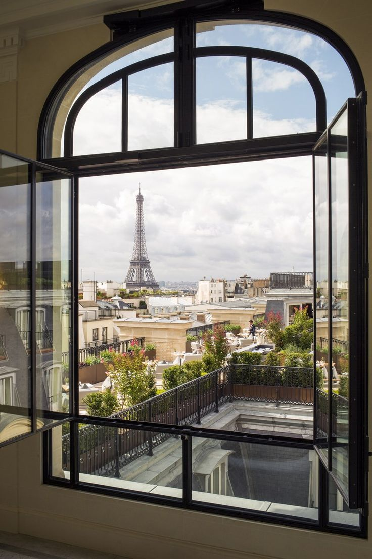 3 Paris Hotels With Eiffel Tower View - Travel Daisy