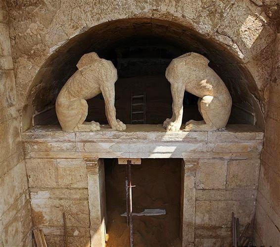 Το Αφηρημένο Blog: Αμφίπολη: Αποκαλύφθηκε ολόκληρη η πρόσοψη του ταφικού μνημείου