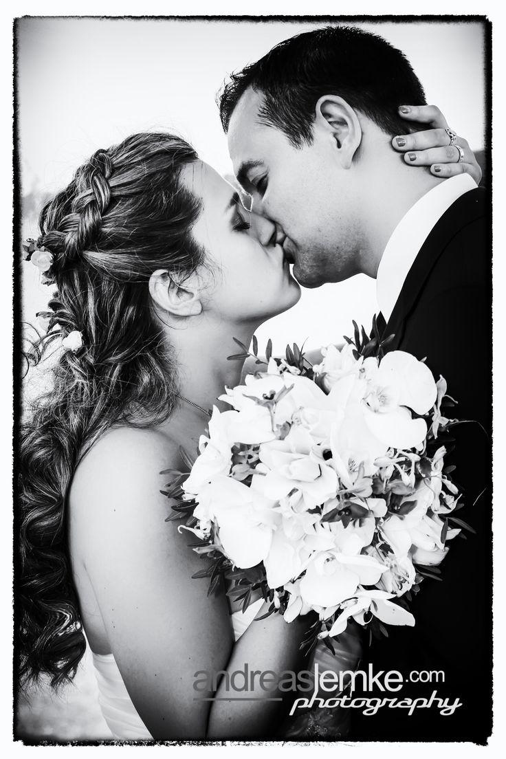 If you love 50ties Hollywood Glam Wedding .. you'll get it: www.hochzeitsfotografie-berlin.org #wedding #weddingpic #weddingkiss #hochzeit #hochzeitsfoto #hochzeitskuss #kiss #love #kuss #liebe #hollywood #glam #glamour #amore #lamour #weddingportrait #weddingphotographer #hochzeitsfotograf #berlin #50ties #glamour #glam