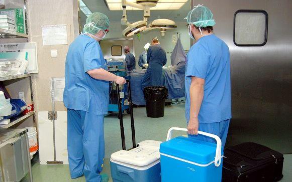 Brutal: Le despiden del trabajo por pedir días libres para donar a su hija parte del hígado http://www.eldiariohoy.es/2017/03/brutal-le-despiden-del-trabajo-por-pedir-dias-libres-para-donar-a-su-hija-parte-del-higado.html?utm_source=_ob_share&utm_medium=_ob_twitter&utm_campaign=_ob_sharebar #salud #sanidad #españa #noticias #actualidad #trasplantes #donantes