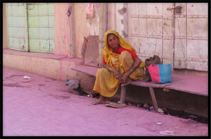 A lady in the streets of Pushkar.