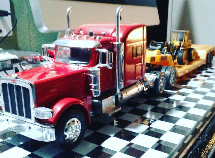 #Peterbilt #Truck #Acoplado #MontaCarga #Volvo