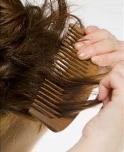 Penteando os cabelos - Foto: Getty Images