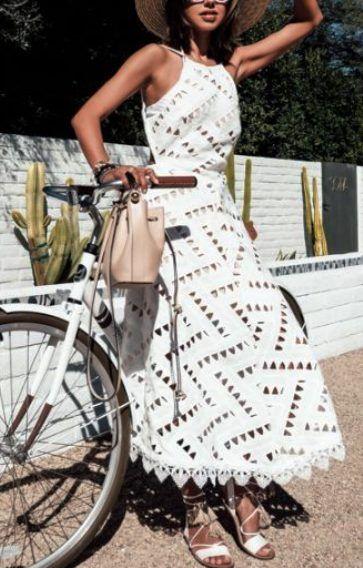 Кружевное платье — 20 новых модных моделей сезона