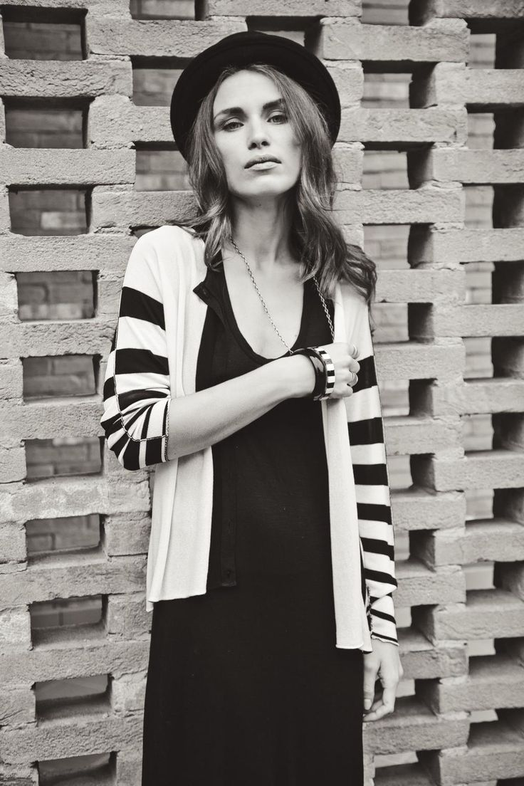 Glamour Monochromatic black and White Look from #miawish http://goo.gl/SfTxaC  women #style https://twitter.com/?lang=it