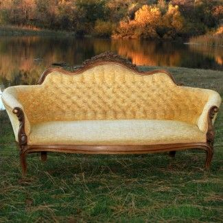 #Sette #victorian couch #wedding rentals #forevervintagerentals