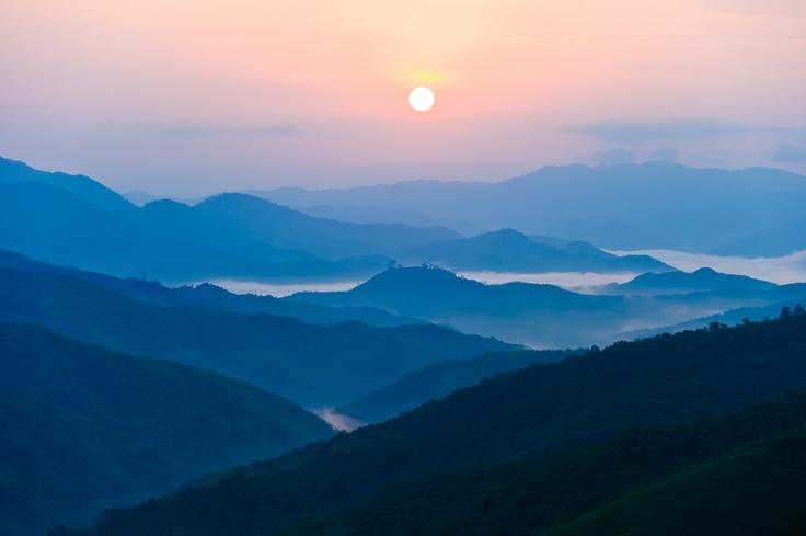 Sunrise in Phongsali